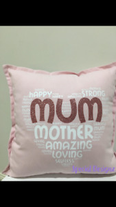 MUM Heart Cushion - in Pink