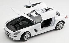 Spedizione LAMPO MERCEDES BENZ SLS AMG BIANCO/WHITE Welly Modello Auto 1:24 NUOVO OVP