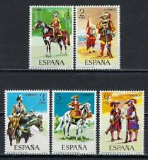 Espagne 1974 Uniformes militaires Yvert n° 1822 à 1826 neuf ** MNH