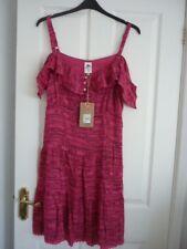 MANTARAY BRIGHT PINK RETRO COLD SHOULDER DRESS. UK 18, EUR 44-46, US 14. BNWT