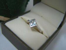 GORGEOUS MODERN 925 SOLID STERLING SILVER BLUE TOPAZ SOLITAIRE DRESS RING SIZE L
