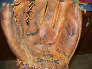 Vintage Spalding Vida Pinson Made in the USA Signature Model Baseball Glove