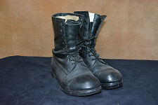 Used Canadian military combat boots size 7.5-8F (264/104)  (N7)