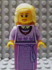 LEGO Castle Princess Girl Female Lady Queen Lavender Dress Blond Hair Necklass