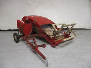 (1959) Tru Scale Toy Pull Type Combine, 1/16 Scale, All Original