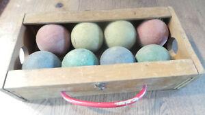jeu de boules de pétanque en bois coloré ancien