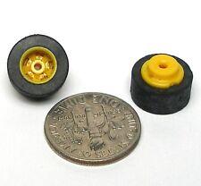 4pc TYCO Slot Car YELLOW Medium Width REAR WHEELS & Rubber TIRES Unused US-1 ok