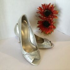 MOOTSIES TOOSIES ladies Shoes 9 M Nonslip On Rubber Soles Open Toe light Gold.
