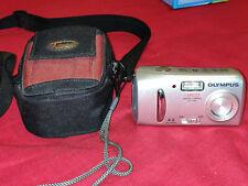 OLYMPUS CAMEDIA C-170 Digital Camera + Lowepro case
