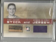 2006-07 Terry Sawchuk ITG Between The Pipes SJ31 Stick and Jersey Memorabilia