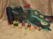 Littlest Pet Shop Playful Paws Daycare Hotel House Lot With 4 Pets & Accessories