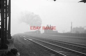 PHOTO  HART BANK  LNER Q6 63410 POUNDS UP THE BANK FROM HARTLEPOOL WITH A RAKE O