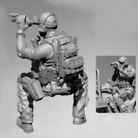 1/35 Resin Figure Model Kit Sniper Observer Car Version Soldier Resin U4A8