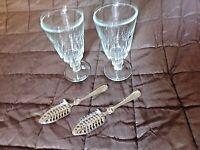 2 verres à absinthe  à facettes avec leurs cuillères