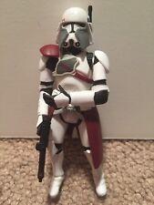 Star Wars 2004 Commander Bacara Action Figure Loose