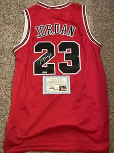 Michael Jordan Signed Autographed Chicago Bulls Jersey Certified