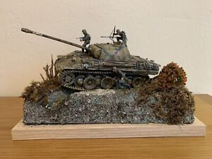 WWII Panther Panzer 1:35 Tank Diorama German built painted Scene With Figures