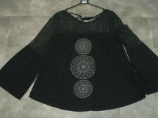 SIZE 18 WOMENS BLACK JERSEY TOP WITH CIRCLE FRONT FLARE SLEEVES AND LACE YOKE