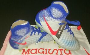 Nike Womens Magista Obra II DF FG, White/Bright Crimson/Blue, Size 6, 844205-064