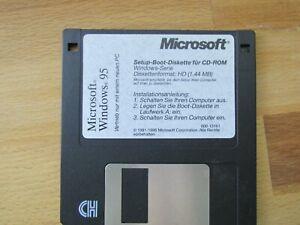 Diskettenbox mit 10 verschiedenen 3,5 Zoll Disketten