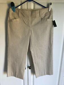 NEW Women's Apostrophe Capri Pants size 4 Sand Color with Darker Lines