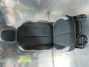 HOLDEN COLORADO LEFT FRONT SEAT, RG, CLOTH, AIRBAG TYPE, 01/12-