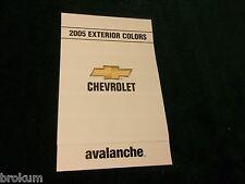 MINT 2005 CHEVROLET EXTERIOR PAINT COLORS AVALANCHE NEW (BOX 712)