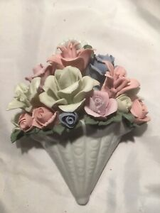 Lovely Ceramic Wall Hanging - Floral Display - Height 17cm