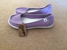 DROPE Womens Slip On Shoes Canvas Flats Light Purple 38 7.5 NEW Casual Scuffs