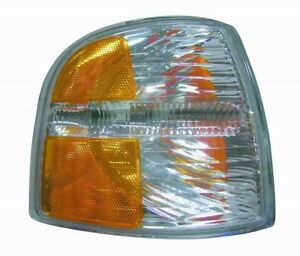 Turn Signal / Parking Light Assembly Front Right fits 04-05 Ford Explorer