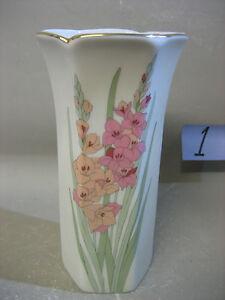Japanese fine porcelain vase