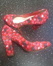 BN SIZE 8 RED HERRING ALESHA RED CHERRY FRUIT PRINT CHUNKY BLOCK HEELS RRP £35