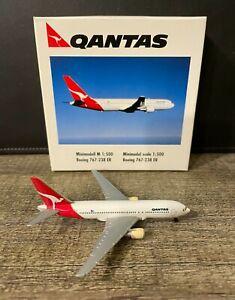 Qantas Boeing 767-200 Herpa Wings 1:500 Diecast Model Airplane