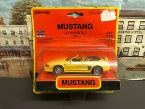 New Ray  Ford Mustang GT Convertible (1994) 1:43 scale die cast model car