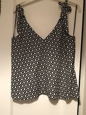 Black & White H&M Camisole with shoulder ties & V Front & Back  size 8