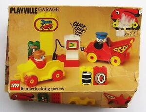 1981 Lego Duplo Playville Garage 2644 with EXTRA PARTS AND FIGURES No Gas Pump