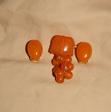 Vintage Carved Butterscotch Baltic Amber Brooch/Pendant & Earrings!  14 grams