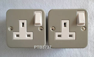 DEAL OF TWO! METAL CLAD SINGLE SWITCHED SOCKETS AL4331 WITH KNOCKOUTS BY G.E.T.