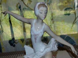 LLADRO Figurine SWAN BALLET Ballerina #5920