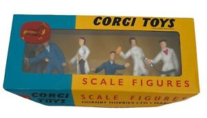 Corgi Toys Garage Attendants Scale Figures 1505 Collector Hornby Re issue NEW