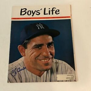 YOGI BERRA HAND SIGNED AUTOGRAPH BOYS' LIFE MAGAZINE  1963 NEW YORK YANKEES