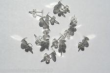 50 blanc clous d'oreilles Plaqué Argent et papillon à l'arrière 6mm plat Pad post scroll