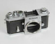 Nikon F Kamera // Eyelevel/Photomic Body chrom #6901830 in guter Funktion!