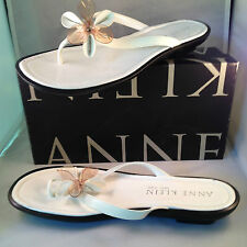 Anne Klein White patent Leather sandals with Flower at vamp, 11M NIB