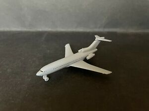 CEREAL TOY R&L 1967 AIRPORT SERIES BOEING 727, GREY