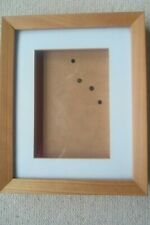 3D PICTURE FRAME WITH NATURAL BEECH WOOD FRAME 21.5 CM X 26.5 CM X 2 CM DEPTH