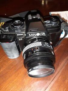 Minolta AF9000, Kamera, Motor Drive, Objektiv und Tasche, top
