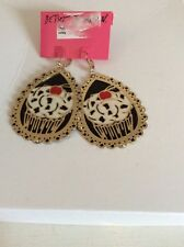 $45 BETSEY JOHNSON PHOTO ETCH CUPCAKE DROP EARRINGS BH4