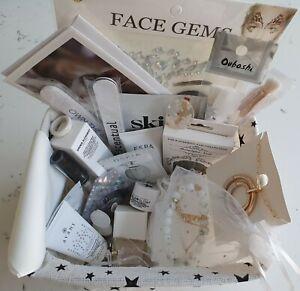 27 Item Beauty Bundle Incl. Card & Storage Basket Grown Alchemist Oskia Glamglow