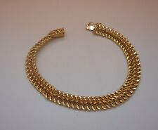 803       -      Bracelet en or 18 carats